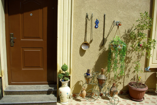 door and decorations